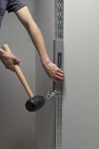Gumová palice pro práci s rohovou lištou Stanley STHT1-57100