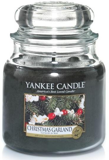 YANKEE CANDLE Vonná Svíčka Christmas Garland CLASSIC STŘEDNÍ Vánoční věnec